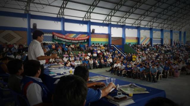 Dirigentes cocaleros viajan a Venezuela a respaldar al dictador Maduro