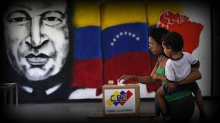 En medio de su mayor crisis, Venezuela inicia la tercera década de chavismo