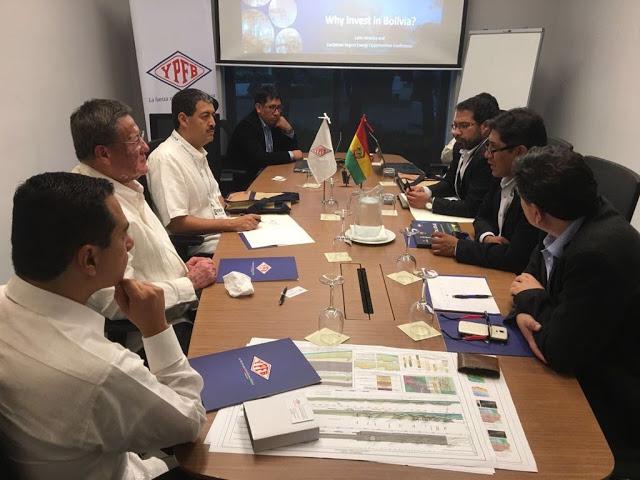 YPFB ofrece en Colombia áreas para atraer inversionistas