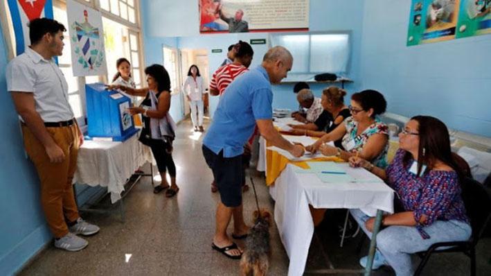 Cuba aprueba en referéndum una nueva Constitución
