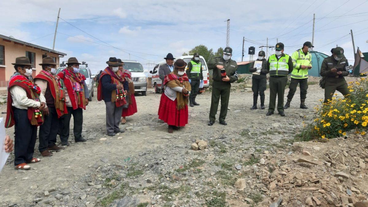 COVID – 19: El Choro mejora condiciones  de servicios básicos para policías