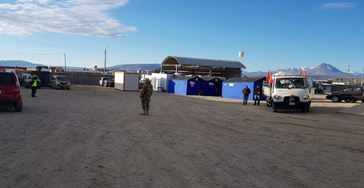 ABC apoya con servicios básicos en el campamento de repatriados en Pisiga