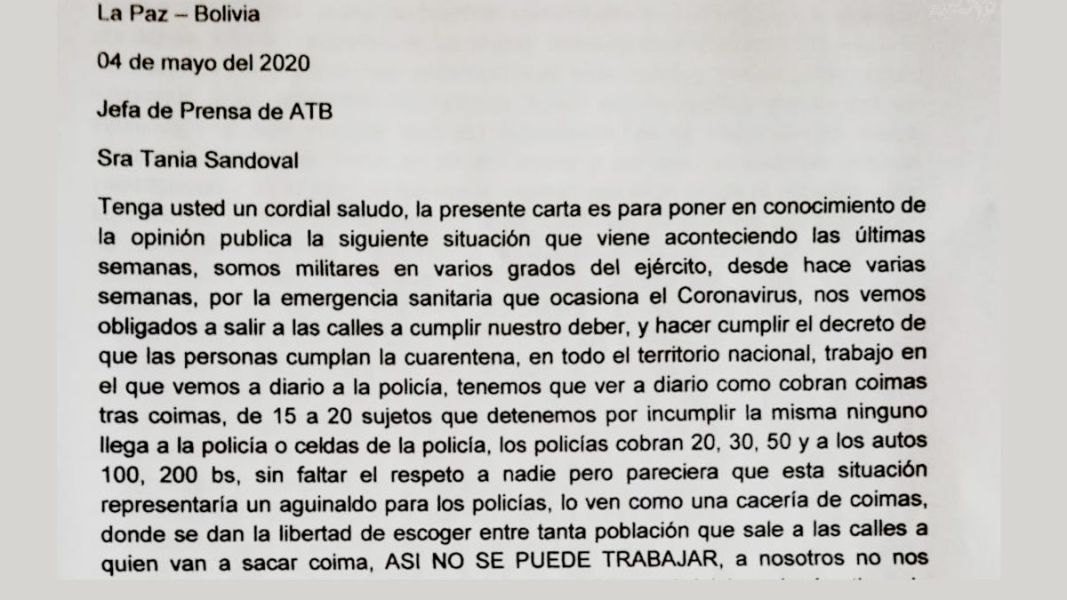 Cinco militares denuncian que ven cada día a policías cobrar coimas a los infractores de la cuarentena en La Paz