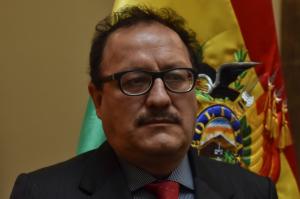 """Ministro Vásquez califica de """"antojadizas"""" sus declaraciones sobre sus ojos, su cabello y color de piel"""