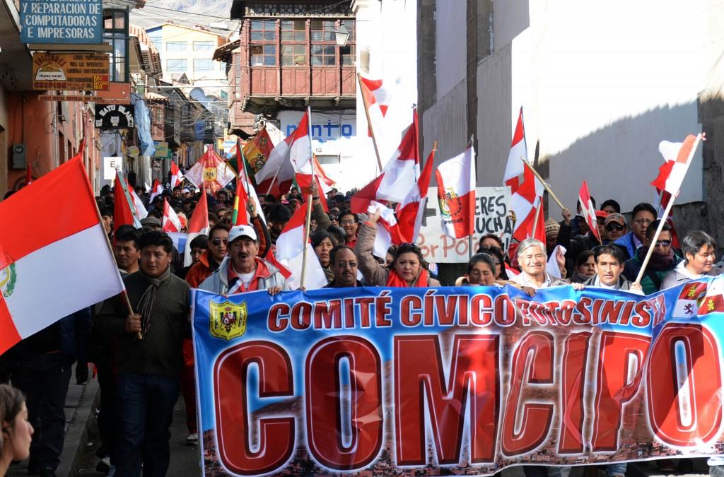 """Comcipo exige bono de Bs500 para """"todo jefe de hogar"""" antes de seguir con la cuarentena en Potosí"""