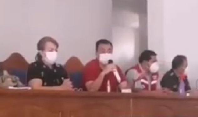 """Cobija: Senador """"Verde"""" pide no dar cobertura a denuncias; periodistas lo cuestionan en plena rueda de prensa"""