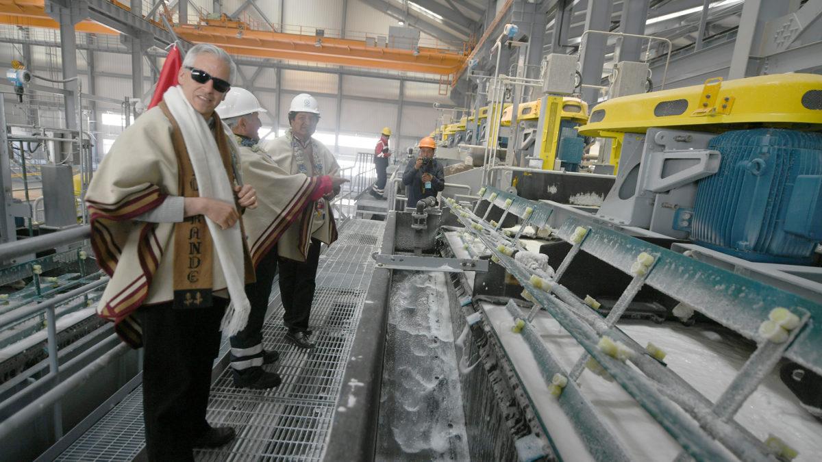 Ministro de Economía dice que el gobierno de Evo endeudó a Bolivia por más de 69 mil millones de bolivianos en proyectos dudosos