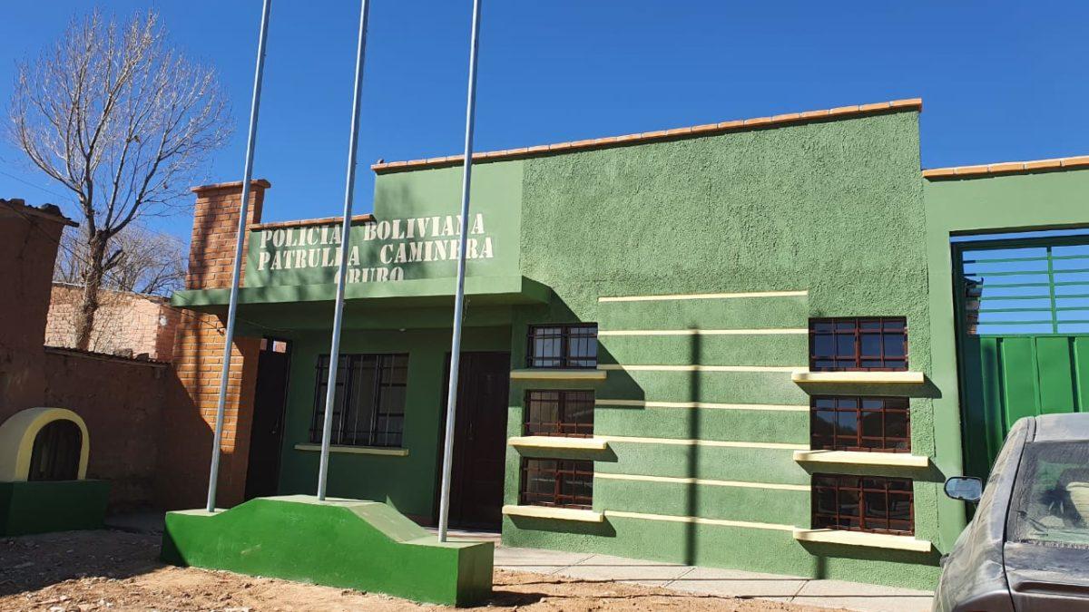 ABC entrega nueva estación policial a policía caminera en Oruro