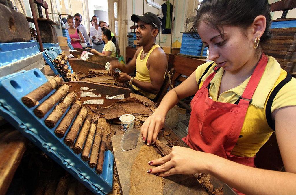Cuba elimina lista de actividades restrictivas para el trabajo privado en medio de pandemia