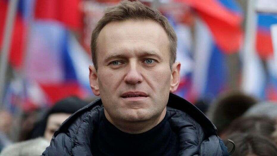 Merkel condena el «intento de asesinato por envenenamiento» de Navalny
