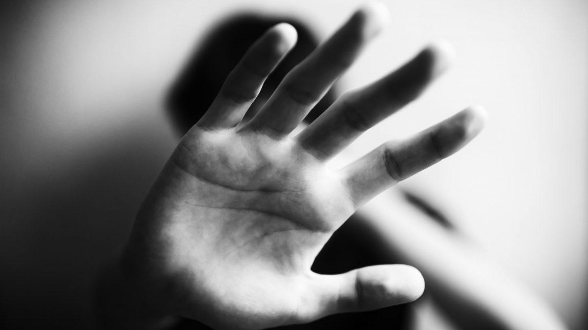 Investigación defensorial evidencia que durante la cuarentena la atención de casos de violencia por la FELCV fue ineficiente y poco efectiva
