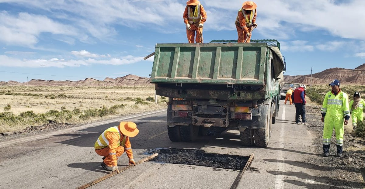 ABC ingresa en la fase final de contratación de empresas para conservación vial de carreteras de Oruro