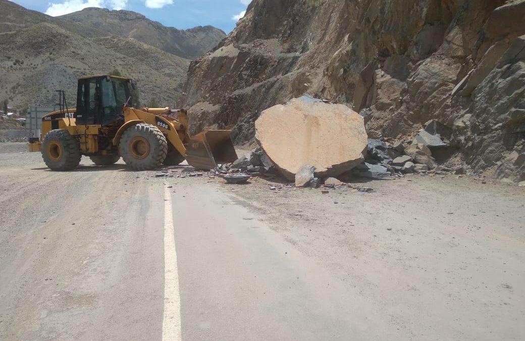ABC Oruro utilizó explosivos para limpieza de roca del tramo Llallagua Ravelo