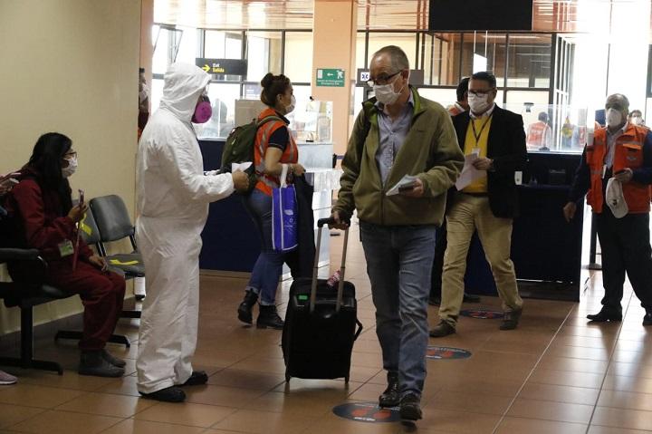 Bolivia amplía restricción de vuelos procedentes de Europa hasta el 15 de febrero por COVID-19