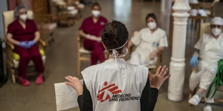 Médicos Sin Fronteras: Urge liberar la patente de la vacuna contra el COVID-19