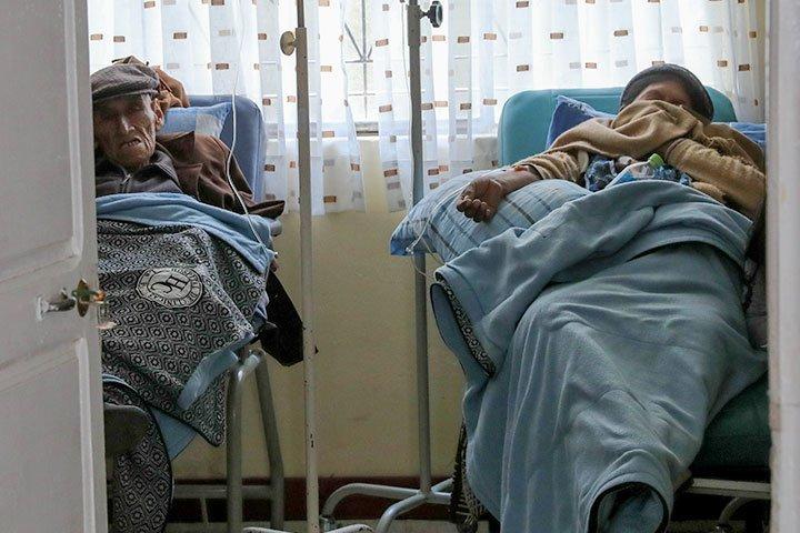 Defensoría del Pueblo advierte insuficiente información en la vacunación a pacientes renales y con cáncer