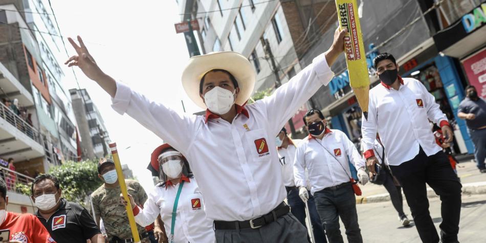 Elecciones Perú 2021: La puja por la segunda vuelta presidencial