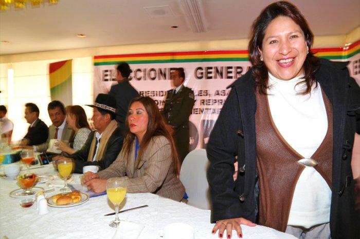 Dina Chuquimia vuelve como vocal del TSE designada por Arce