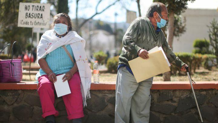 Hospitalizaciones y muertes por COVID-19 de adultos jóvenes se disparan en las Américas