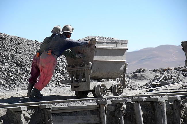 El CEDLA plantea debate para conocer ¿qué minería queremos para el país?