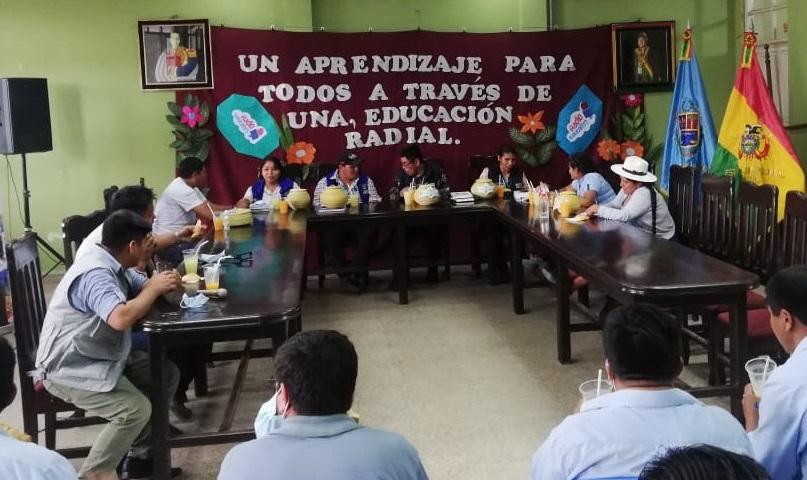Estudiantes de Educación Alternativa de Puerto Villarroel, Chimoré y comunidades Yuki y Yuracaré pasarán clases por radio