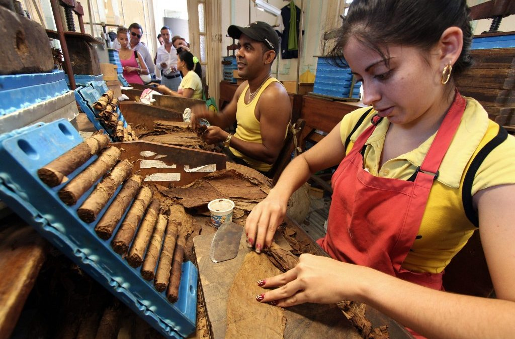 Cuba se abre a la pequeña empresa privada