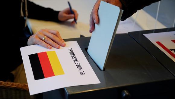El socialdemócrata Scholz gana por la mínima, pero los democristianos no renuncian a formar Gobierno