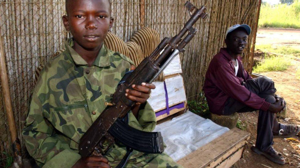 Más niños muertos o forzados a las armas