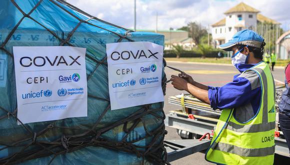 COVAX: Bolivia recibe vacunas donadas por España y Francia
