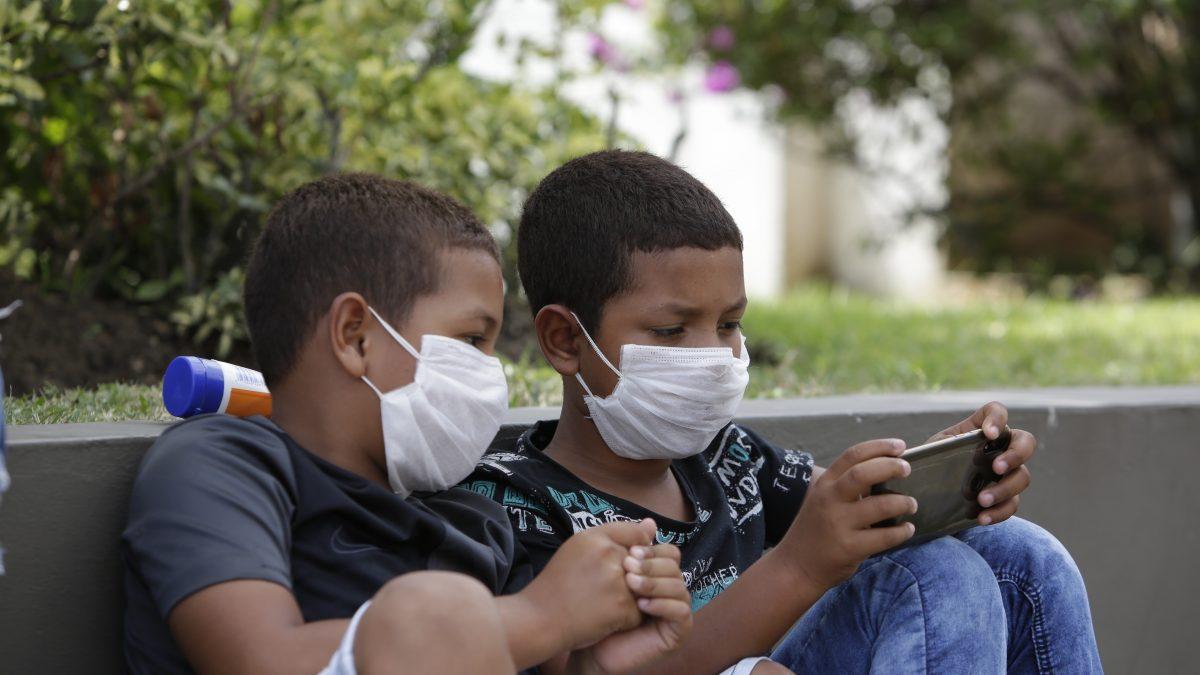 OPS: Los niños, niñas y adolescentes están profundamente afectados por la pandemia de COVID-19