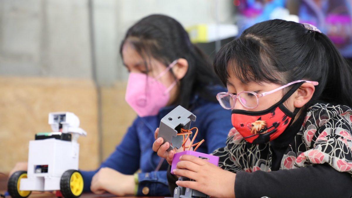 UNICEF y AGETIC buscan disminuir la brecha de género en acceso a la ciencia y tecnología
